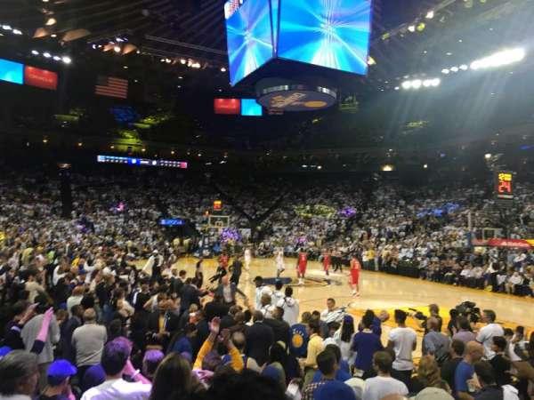 Oracle Arena, secção: 124, fila: 4, lugar: 10