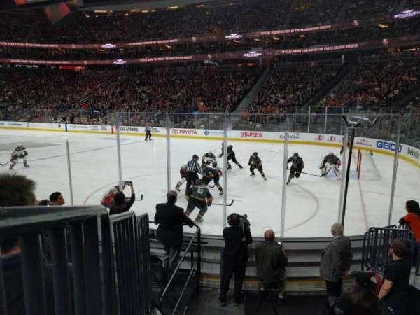 T-Mobile Arena, secção: 18, fila: F, lugar: 7