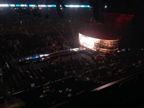 Scotiabank Arena, secção: 322, fila: 1, lugar: 2