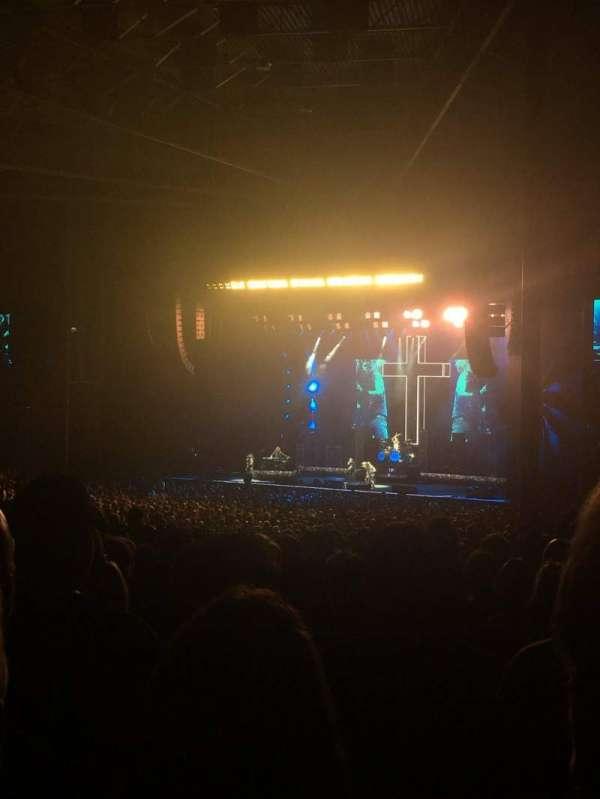 Budweiser Stage, secção: 403, fila: M, lugar: 11