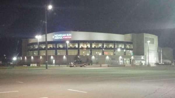 Mohegan Sun Arena at Casey Plaza, secção: Exterior