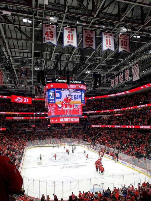 Capital One Arena, secção: 104, fila: Y