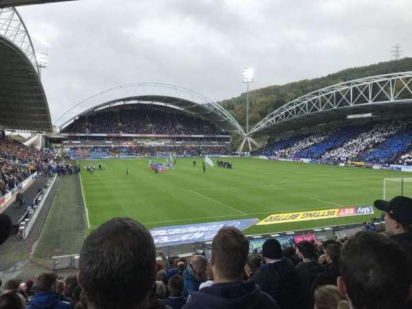 John Smith's Stadium, secção: The Chadwick Lawrence stand, fila: T, lugar: 142