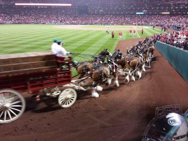 Busch Stadium, secção: 170, fila: 1, lugar: 3