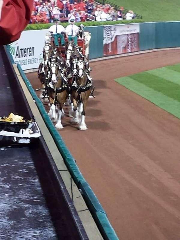 Busch Stadium, secção: 170, fila: 1, lugar: 4