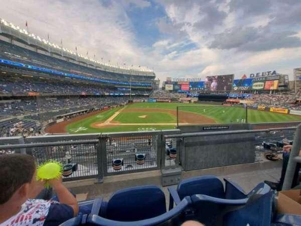Yankee Stadium, secção: 217, fila: 2, lugar: 2