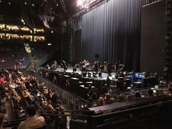 Oracle Arena, secção: 127, fila: 8, lugar: 12