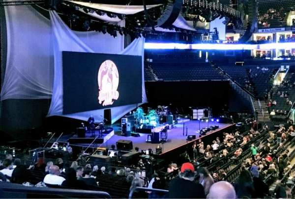 Oracle Arena, secção: 115, fila: 20, lugar: 10