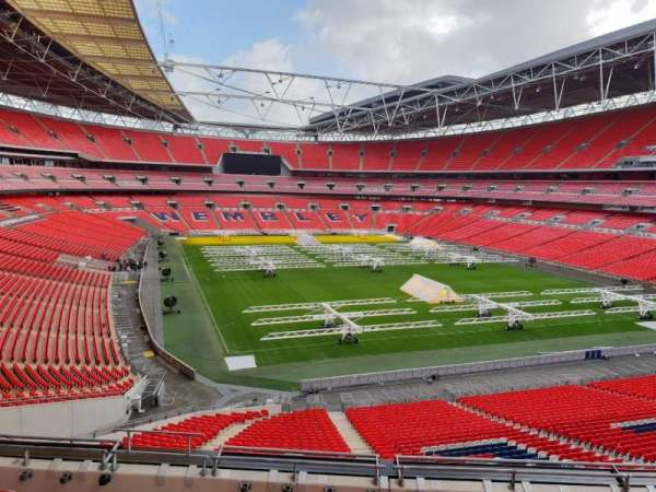 Wembley Stadium, secção: 215, fila: 12