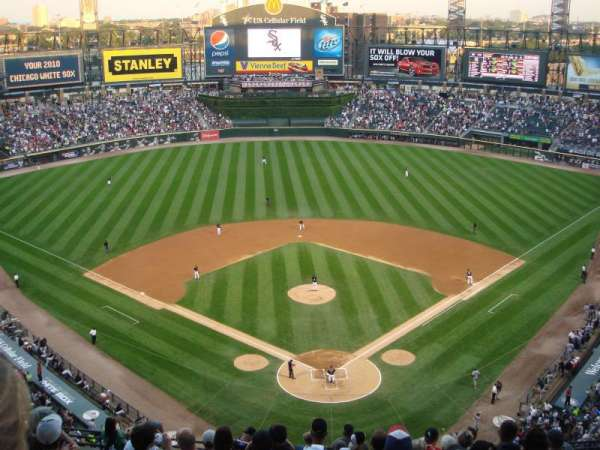 Guaranteed Rate Field, secção: 533, fila: 13, lugar: 11