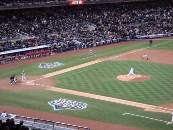 Yankee Stadium, secção: 214A, fila: 23, lugar: 14