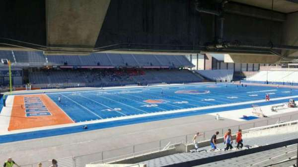Albertsons Stadium, secção: 26, fila: T, lugar: 24