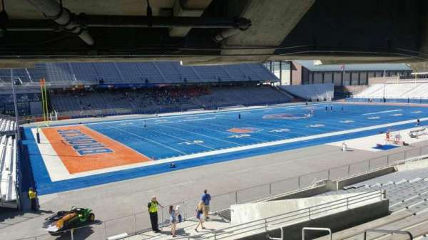 Albertsons Stadium, secção: 27, fila: T, lugar: 6