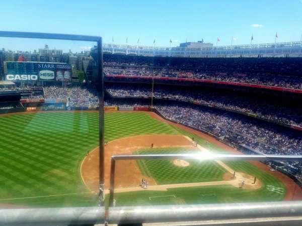 Yankee Stadium, secção: 425, fila: 1, lugar: 24