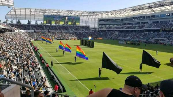 Banc of California Stadium, secção: 107, fila: R, lugar: 21