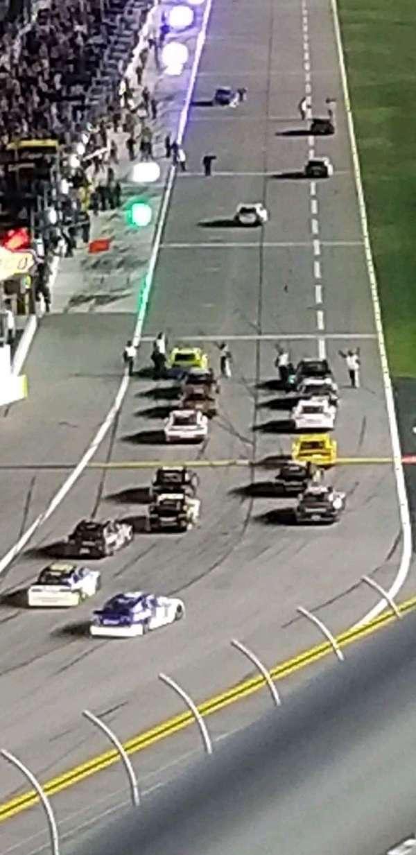 Daytona International Speedway, secção: 413, fila: 25, lugar: 1