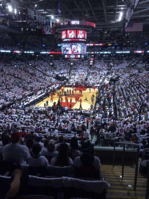 Scotiabank Arena, secção: 102, fila: 32, lugar: 1