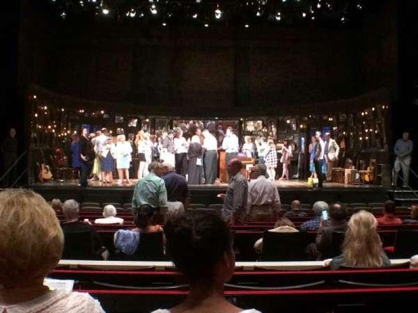 Muriel Kauffman Theatre, secção: Orchestra Center, fila: J, lugar: 111