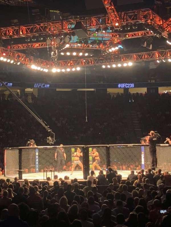T-Mobile Arena , secção: 12, fila: C, lugar: 10