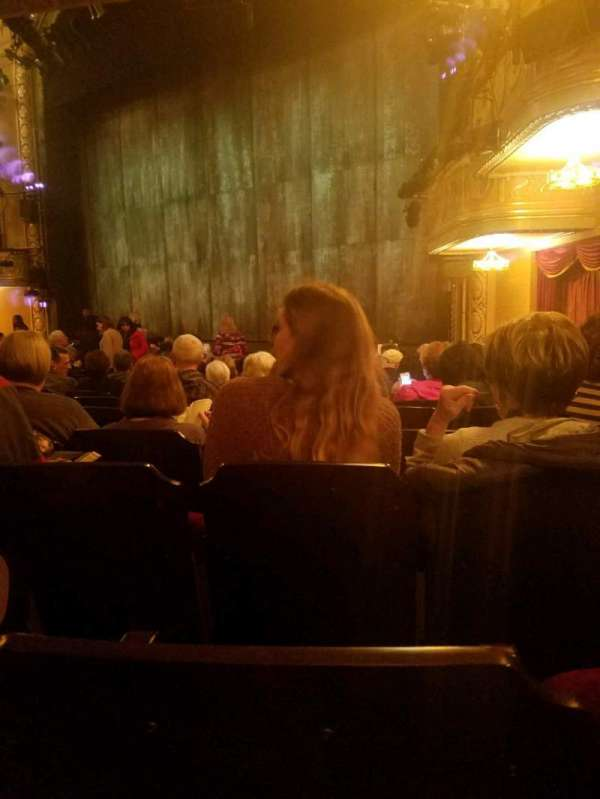 Bernard B. Jacobs Theatre, secção: Orchestra R, fila: n, lugar: 26