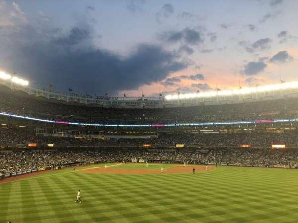 Yankee Stadium, secção: 203, fila: 5, lugar: 2