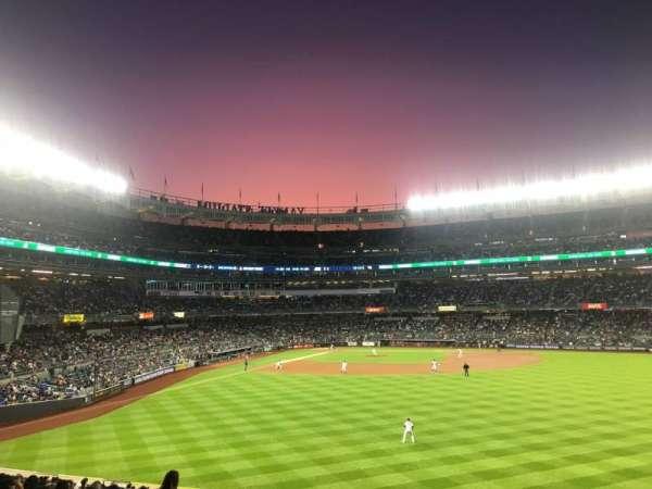 Yankee Stadium, secção: 203, fila: 13, lugar: 21