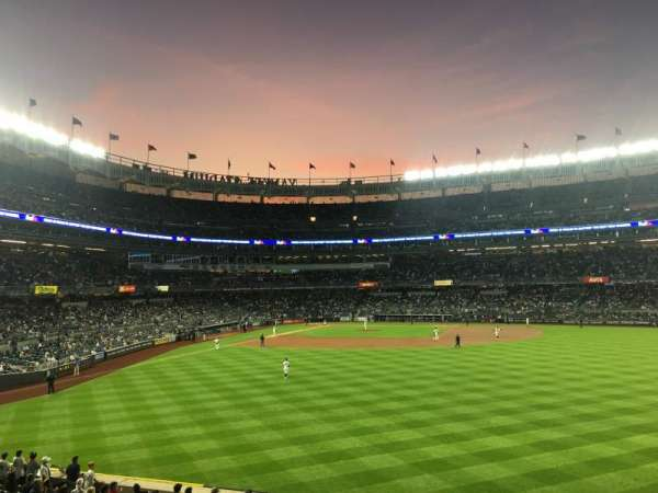 Yankee Stadium, secção: 203, fila: 6, lugar: 22