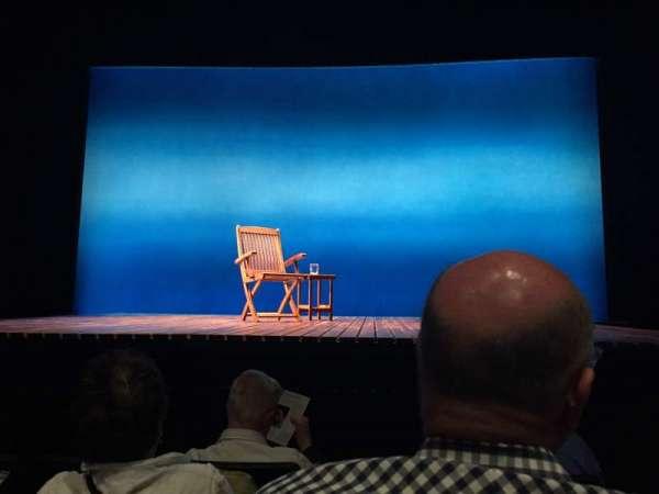 Minetta Lane Theatre, secção: Orchestra, fila: E, lugar: 102