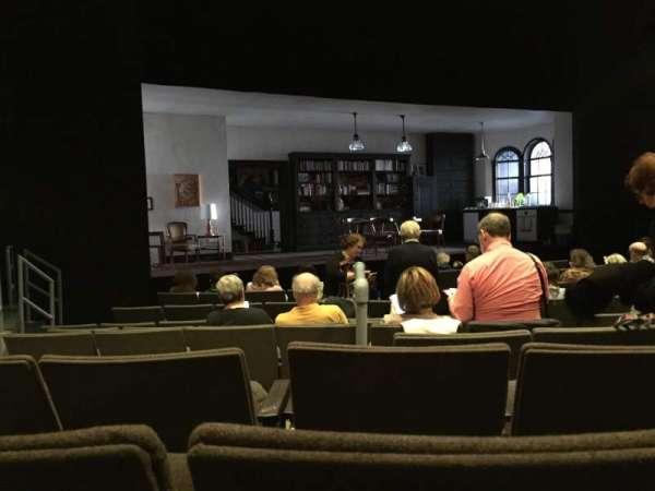 Laura Pels Theatre, secção: Orchestra, fila: L, lugar: 7