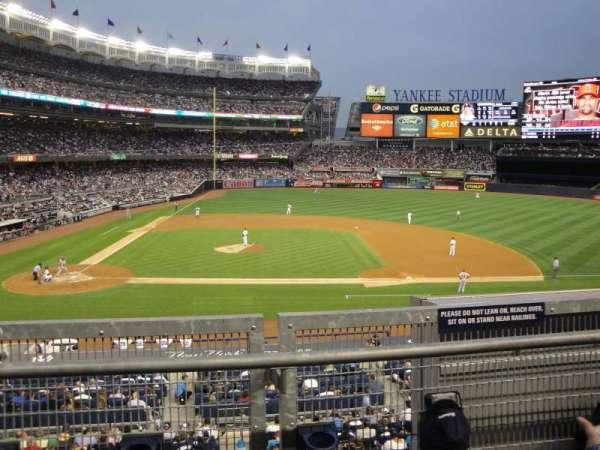 Yankee Stadium, secção: 216, fila: 2, lugar: 14