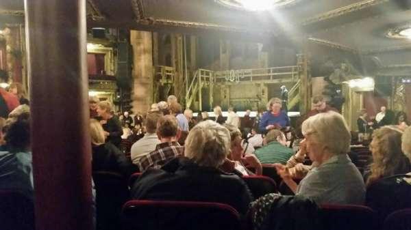 CIBC Theatre, secção: Orchestra R, fila: W, lugar: 6