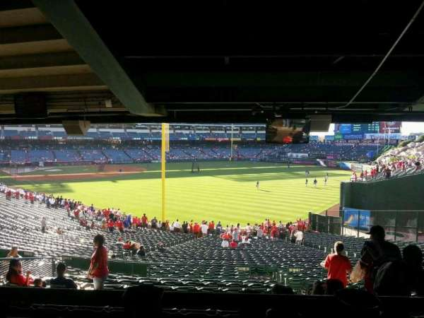 Angel Stadium, secção: T231, fila: SA, lugar: 14