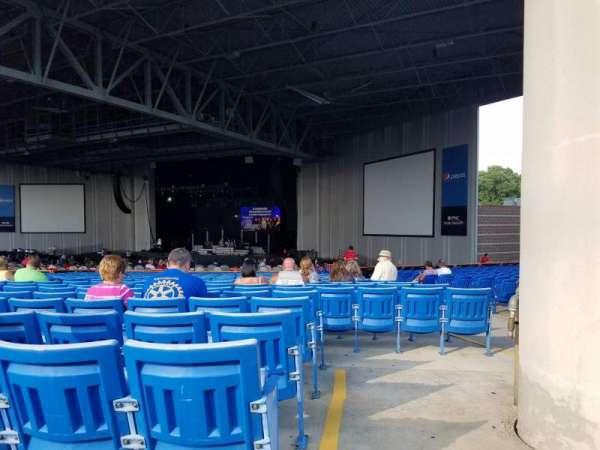 PNC Music Pavilion, secção: 5, fila: Y, lugar: 3