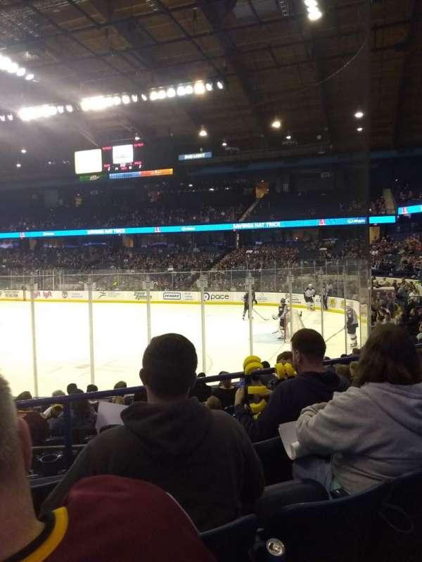 Allstate Arena, secção: 108, fila: G