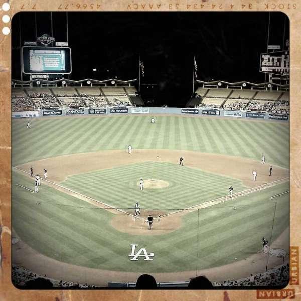 Dodger Stadium, secção: 1, fila: E, lugar: 3