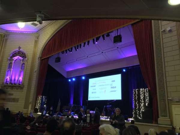 The Town Hall, secção: Orchestra, fila: O, lugar: 14