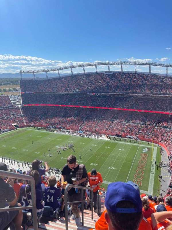 Empower Field at Mile High Stadium, secção: 539, fila: 25, lugar: 25
