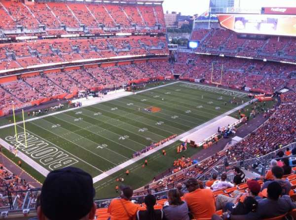FirstEnergy Stadium, secção: 527, fila: 17, lugar: 5and6
