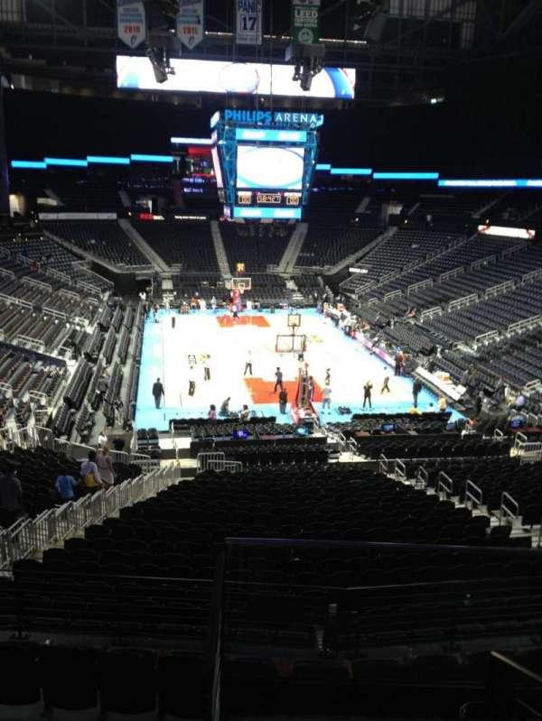 State Farm Arena, secção: T6, fila: E, lugar: 5