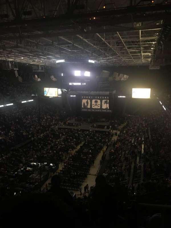 Greensboro Coliseum, secção: 223, fila: Q, lugar: 1
