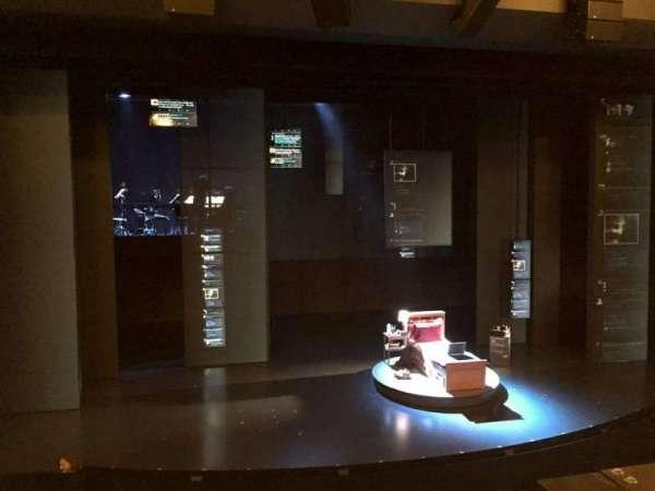Music Box Theatre, secção: Mezzanine C, fila: A, lugar: 114