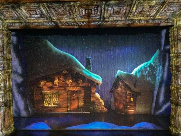 St. James Theatre, secção: Mezzanine C, fila: A, lugar: 107
