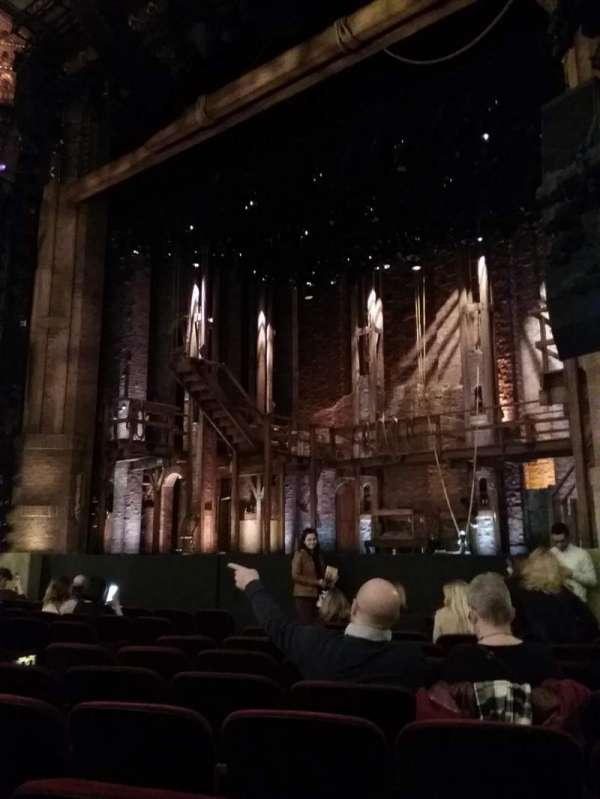 CIBC Theatre, secção: Orchestra R, fila: L, lugar: 18