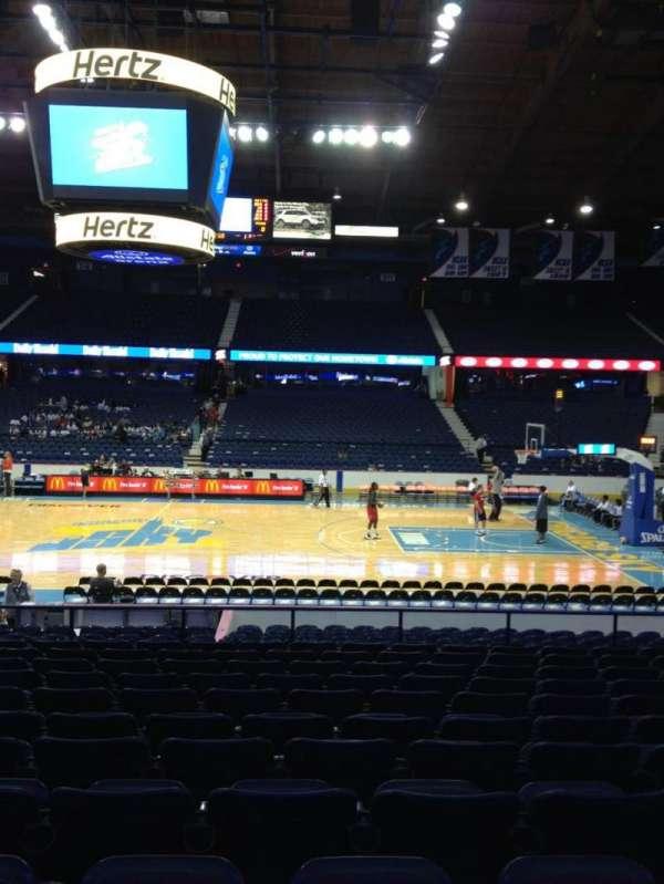 Allstate Arena, secção: 102, fila: M, lugar: 19