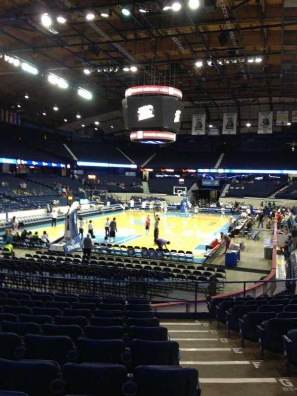 Allstate Arena, secção: 114, fila: M, lugar: 2
