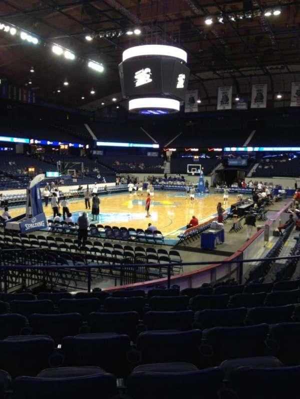 Allstate Arena, secção: 113, fila: H, lugar: 20
