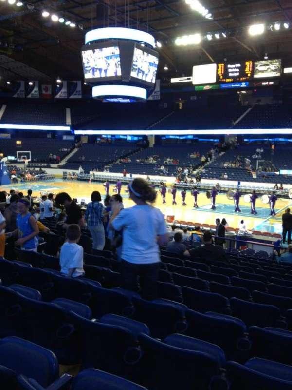 Allstate Arena, secção: 109, fila: N, lugar: 18