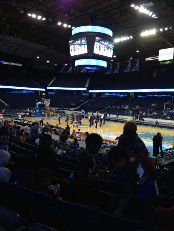 Allstate Arena, secção: 109, fila: H, lugar: 3