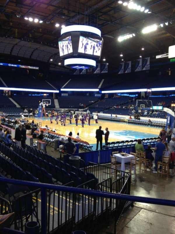 Allstate Arena, secção: 108, fila: F, lugar: 15