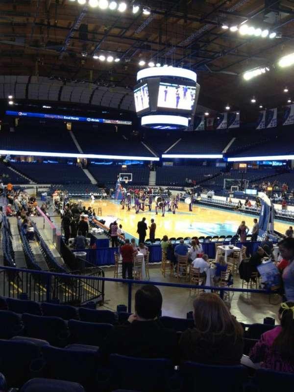 Allstate Arena, secção: 108, fila: K, lugar: 4
